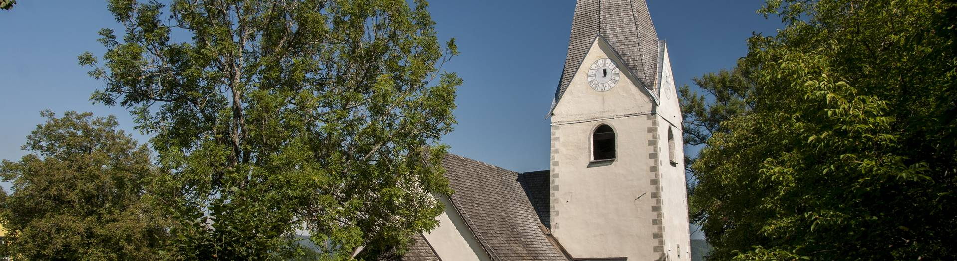 Grafenstein bei Klagenfurt am Wörthersee mit der Kirche St. Anna zu Saager