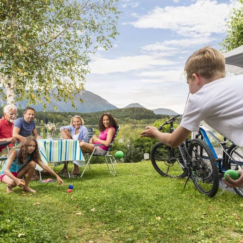 Camping am See mit der ganzen Familie