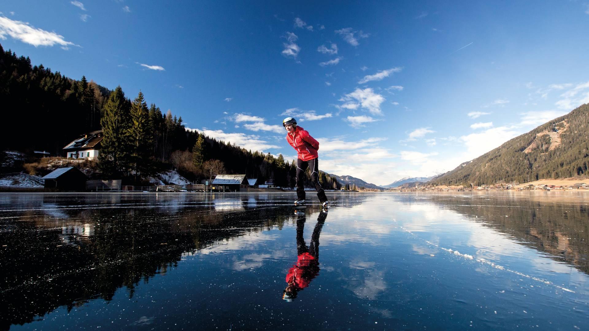 Region Weissensee_Winter_Eislaufen auf Spiegeleis