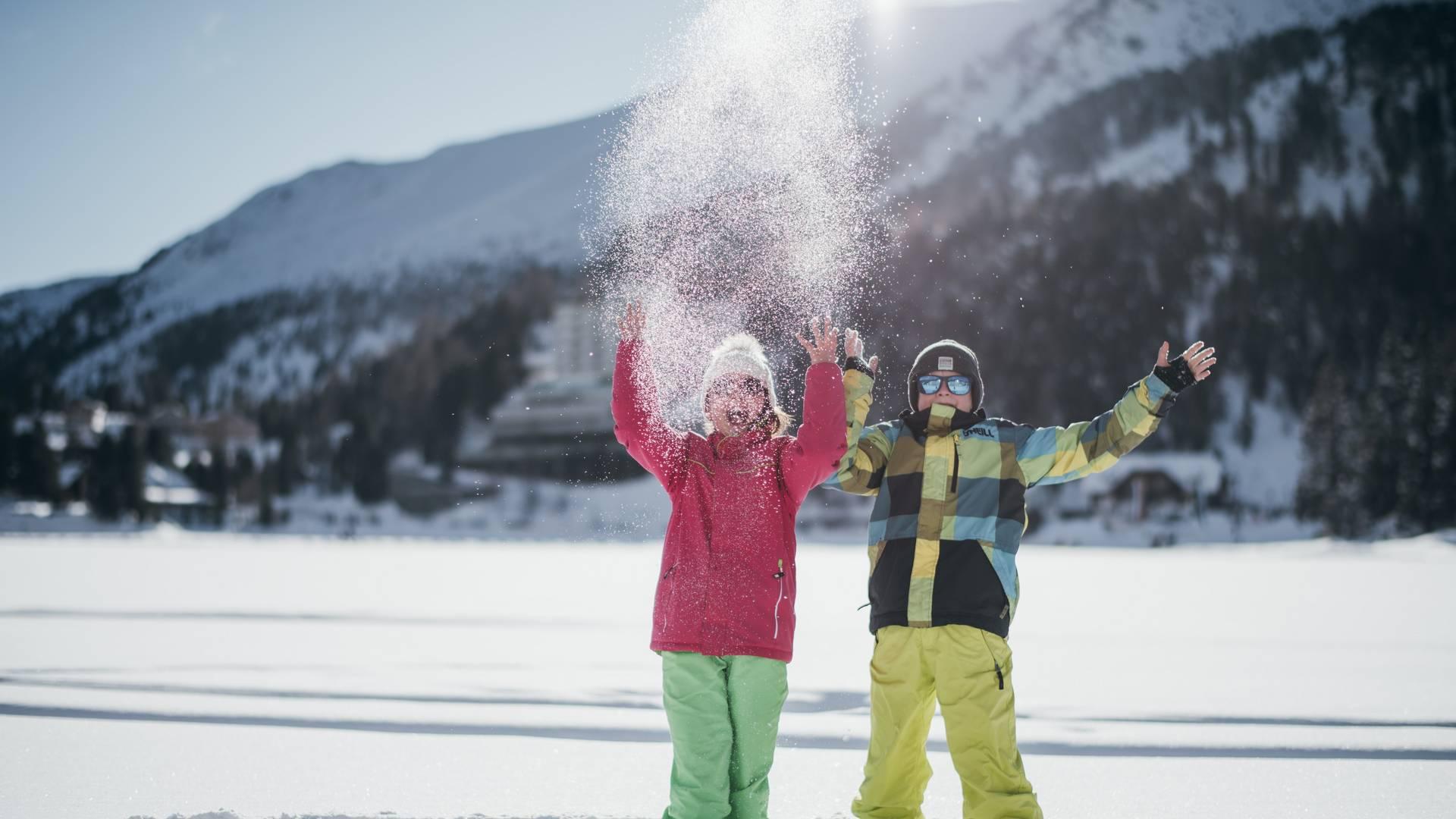 Schlosshotel Seewirt auf der Turracher Hoehe_Kinder und Schnee